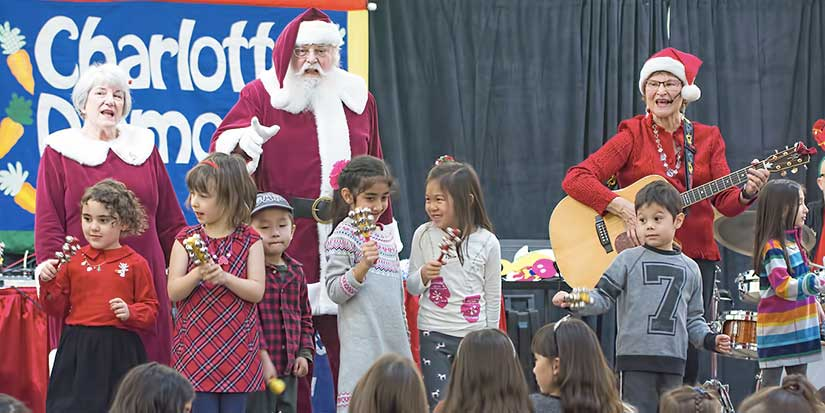 Diamond welcomes Santa and Mrs. Claus at annual concert