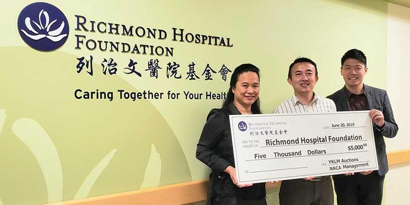 Art auction raises $5,000 for hospital